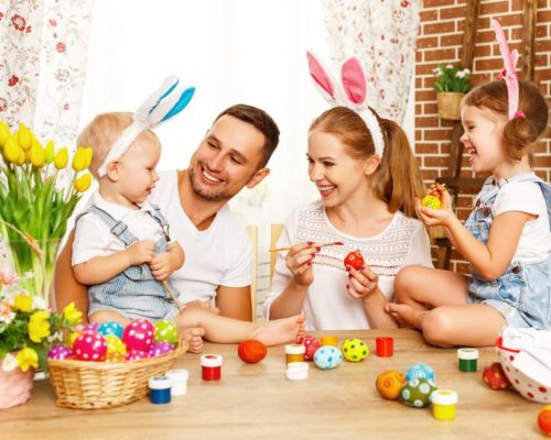 West-End-Central-Apartments-Easter-Long-weekend-family-enjoying-Easter